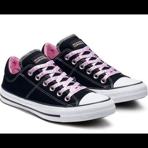 BNIB Hello Kitty Converse